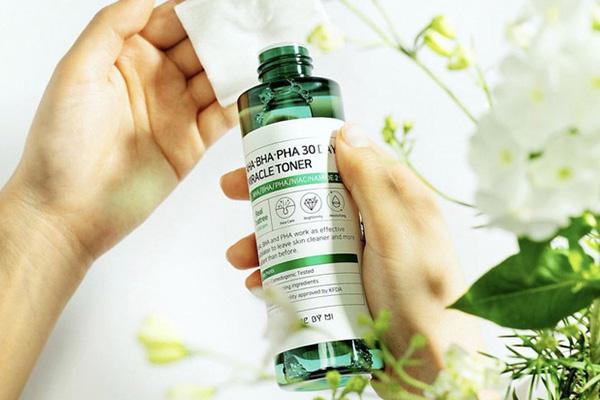 5 loại acid toner da từ sần sùi thô ráp thành láng mịn, căng mọng phát thèm (4)